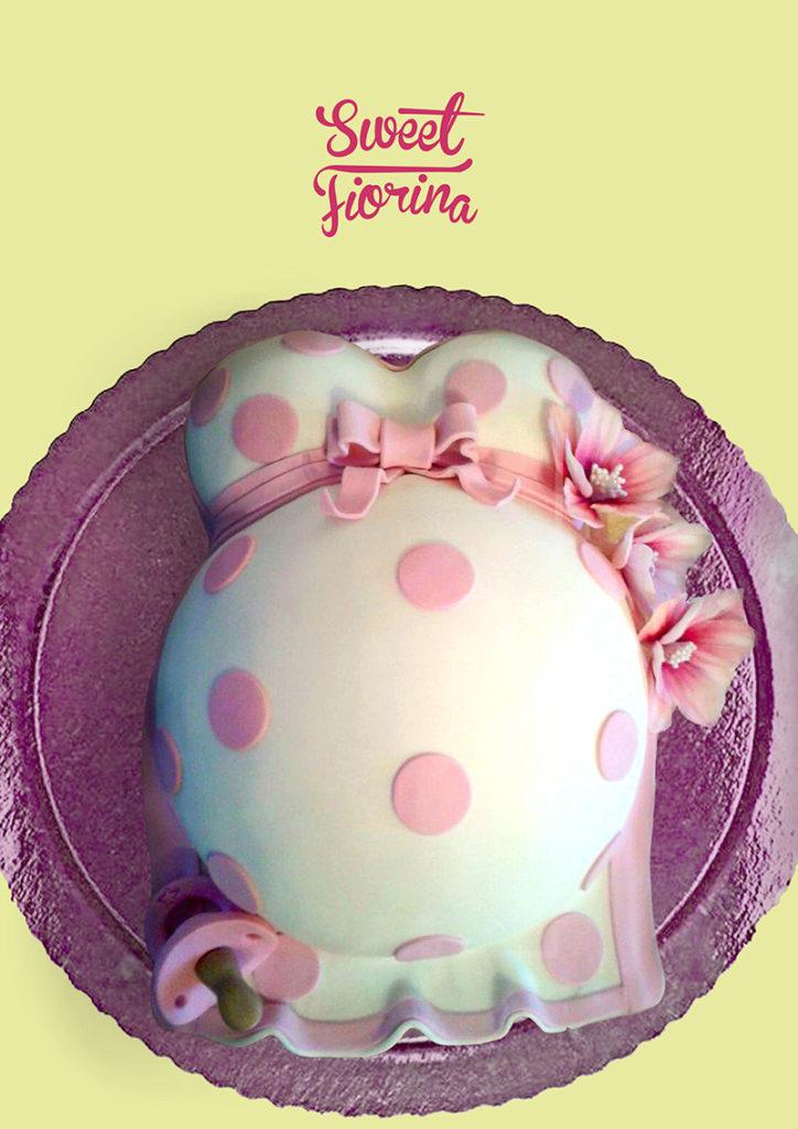 Torta_a_forma_di_pancione_per_una_dolce_attesa